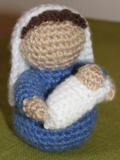 DIY Amigurumi Nativity Scene - FREE Crocheted Mary and Baby Jesus Crochet Pattern / Tutorial