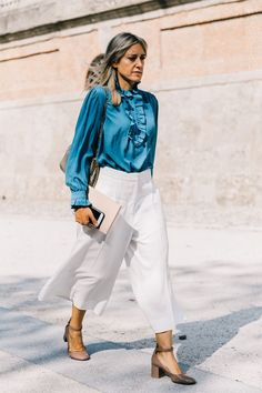 Read this to know what to wear to a networking event so you can hit the right sartorial note. Trajes Business Casual, Business Casual Outfits, Maxi Cardigan, Interview Outfit Summer, Interview Outfits, Job Interviews, Business Fashion, Blazers, All Black Outfit
