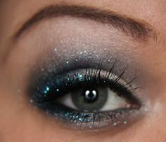 sooooo going to do this for my stage make up!