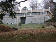 Yale University, New Haven CT, Greeley Memorial Laboratory. West Facade. Photograph | Paul Rudolph & His Architecture