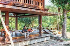 Wooden Thai House in the Lanna Tradition /// Living Asean /// wooden house Wooden House Design, Bamboo House Design, Patio Design, Exterior Design, Interior And Exterior, Modern Tropical House, Tropical House Design, Tropical Houses, Bali