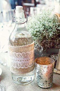 lace on burlap - cute idea for a country wedding!