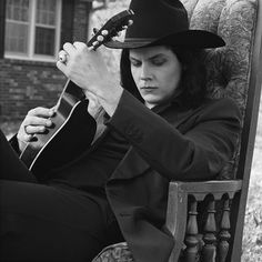 "Jack White Covers Loretta Lynn's ""Coal Miner's Daughter"" in His Vinyl Recording Booth"
