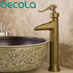 Free shipping antique brass tap Bathroom Mixer Single handle Single hole Surface Mounted basin faucet HY-616