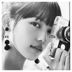 . The person who becomes putting recently. . . . #川口春奈#JJ#モノクロ