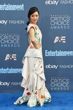 Constance Wu - Critics' Choice Awards: a red carpet - Festas - Vogue Portugal