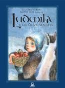 Ludmila, uma menina corajosa, se embrenha em uma floresta gelada disposta a salvar seu querido pai da tirania de uma rainha malvada e arrogante. Tremendo de frio e temendo por seu pai, Ludmila caminha até se deparar com doze homens ao redor de uma fogueira, onde uma melodia doce a enche de esperança.