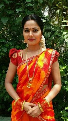 Beautiful Girl Indian, Most Beautiful Indian Actress, Beautiful Long Hair, Beautiful Saree, Beauty Full Girl, Beauty Women, Arab Girls Hijab, Tamil Girls, Indian Beauty Saree