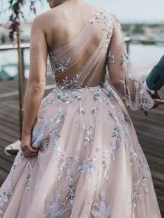 Unique Long Sleeve Prom Dresses One Shoulder A-line Sparkly Prom Dress Long Evening Dress - Kleider - Abendkleid Dresses Elegant, Unique Dresses, Pretty Dresses, Beautiful Dresses, Sexy Dresses, Casual Dresses, Awesome Dresses, Modest Dresses, Chiffon Dresses