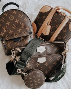 2020 New Louis Vuitton Handbags Collection for Women Fashion Bags Popular Handbags, Cute Handbags, Cheap Handbags, Purses And Handbags, Handbags Online, Popular Purses, Spring Handbags, Spring Bags, Wholesale Handbags