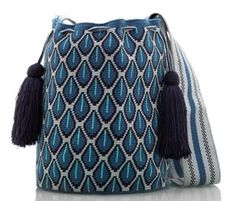 Marvelous Crochet A Shell Stitch Purse Bag Ideas. Wonderful Crochet A Shell Stitch Purse Bag Ideas. Crochet Shell Stitch, Crochet Hook Set, Tapestry Bag, Tapestry Crochet, Mochila Crochet, Ethnic Bag, Crochet Handbags, Purse Patterns, Crochet Accessories