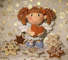 Ravelry: Herz-Engel · Hearty Angel by Raphaela Blumenbunt Crochet Doll Pattern, Bead Crochet, Diy Crochet, Crochet Patterns, Amigurumi Patterns, Amigurumi Doll, Doll Patterns, Knitted Dolls, Crochet Dolls