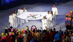 Bandeira olímpica Maracanã Abertura Olimpíadas Rio 2016 (Foto: Agência Reuters)