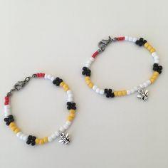 A bee patterned beaded bracelet #seedbeads #etsyshop #beadedbracelets #beesbracelet #beecool #beespattern Bead Jewelry, Bracelet Patterns, Bees, Seed Beads, Beaded Bracelets, Etsy Shop, Beaded Jewelry, Pearl Jewelry, Pearl Bracelets