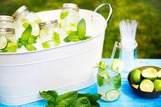 Mason Jar Mojitos - The perfect garden party cocktail.