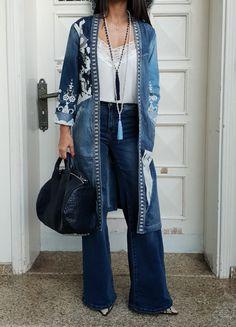 Desigual Hijab Fashion, Fashion Dresses, Denim Ootd, Latest Fashion, Duster Coat, Kimono Top, My Style, Casual, Jackets