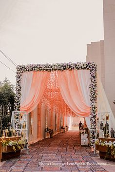 Wedding Walkway, Wedding Gate, Wedding Reception Entrance, Wedding Stage Backdrop, Wedding Backdrop Design, Desi Wedding Decor, Wedding Hall Decorations, Wedding Stage Design, Tent Decorations