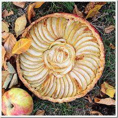 An Apple Brie Tart.. A Fall weather treat!