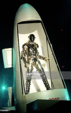 """Michael Jackson performs on stage during is """"HIStory"""" world tour concert at Ericsson Stadium November 1996 in Auckland, New Zealand. Get premium, high resolution news photos at Getty Images Michael Jackson History Tour, Facts About Michael Jackson, Jackson Music, Gold Pants, Stevie Ray Vaughan, King Of Music, Look Vintage, Janet Jackson, Aerosmith"""