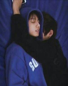 Kim Taehyung e Jeon Jungkook Bts Jungkook, Kim Taehyung, Taehyung Fanfic, Jungkook Sleep, Taekook, Yoonmin, Foto Bts, Seokjin, Namjoon