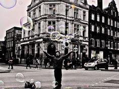 """""""LondonBubble"""", Londra, 2° riscatto urbano di Francesca Uleri. Saranno conteggiati i """"Mi piace"""" al seguente post: https://www.facebook.com/photo.php?fbid=873131912757684&set=o.170517139668080&type=3&theater"""