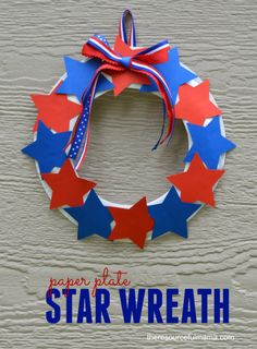 Paper plate star wreath craft for kids. Patriotic | Red-White-Blue | Memorial Day | Independence Day | Summer Craft