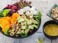 Салат из свеклы, мандаринов, авокадо и феты http://feedproxy.google.com/~r/anymenu/hMaC/~3/EwYYlckUHFo/  Гармонично подобранное сочетание разных вкусов и текстур, а также внешняя яркость и красочность делают этот салат незаурядным, очень аппетитным. Кроме того, он полезен для фигуры и здоровья в целом.