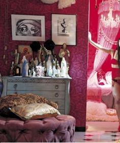 『ヘルタースケルター』のりりこの部屋 from http://www.dclog.jp/en/3845747/457445778