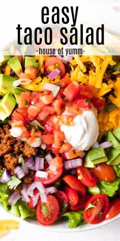 A Tex Mex classic that is always a big hit! This salad is loaded up with all the best taco toppings including ground beef cheese tomatoes sour cream and salsa! This salad recipe is quick and easy to make and sure to be a new favorite. Easy Taco Salad Recipe, Taco Salad Recipes, Healthy Salad Recipes, Mexican Food Recipes, Classic Taco Salad Recipe, Taco Salad Doritos, Keto Taco Salad, Taco Taco, Salat Sandwich