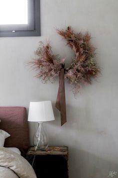 Fresh Wreath, Dried Flower Wreaths, Dried Flowers, Autumn Wreaths, Holiday Wreaths, Flower Decorations, Christmas Decorations, Bohemian Christmas, Modern Wreath
