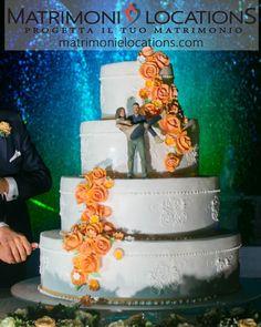 Una weddingcake davvero originale!!! Ti piace? Per il giorno del tuo matrimonio potrai, insieme ai nostri pasticceri, creare la torta dei tuoi sogni  #matrimonielocations #matrimonio #wedding #nozze #mariage #sposi #sposa #sposo #bride #brides #groom #weddings #weddingday #organizzazionematrimoni #instamatrimonio #weddingparty #weddingideas #weddingcake #torta #nakedcake #dolci #locationmatrimoni #weddingday #weddinginspiration Wedding Cakes, Desserts, Food, Weddings, Wedding Gown Cakes, Tailgate Desserts, Deserts, Essen, Cake Wedding