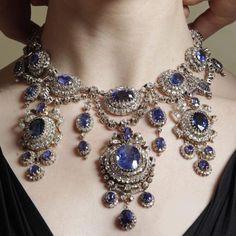 Queen Olga of Greece diamonds and sapphires necklace 1870!!!! Fabulous #dubai…