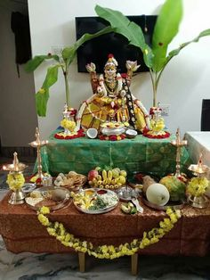 Festival Decorations, Flower Decorations, 24k Gold Jewelry, Hanuman Images, Pooja Room Design, Tanjore Painting, Pooja Rooms, Hindu Deities, Embroidered Blouse