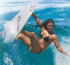 Surfing holidays is a surfing vlog with instructional surf videos, fails and big waves Surf Girls, Beach Girls, Beach Babe, Bikini Surf, Foto Glamour, Foto Sport, Female Surfers, Surfing Pictures, Skate Surf