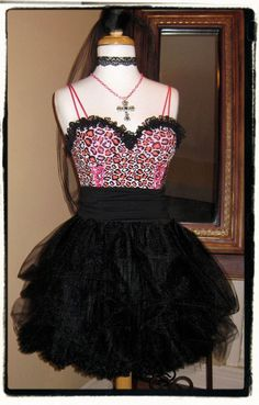 must have for my birthdayparty 80s Party Outfits, 80s Outfit, Cute Outfits, 80s Birthday Parties, 8th Birthday, 80s Fashion, Costumes, Costume Ideas, Formal Dresses