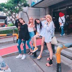 63 Ideas Photography Street Style Friends For 2019 Ulzzang Korean Girl, Ulzzang Couple, Ulzzang Fashion, Korean Fashion, J Pop, Korean Best Friends, Best Friend Photography, Bff Pictures, Best Friend Pictures