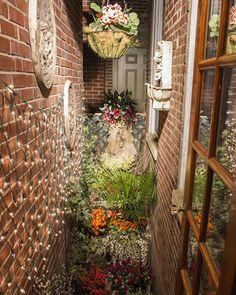 Dante & Luigi's Corona di Ferro, Best Italian Restaurant, South Philadelphia Philly Pa, Italian Market, Luigi, Philadelphia, Ladder Decor, Outdoor Structures, Restaurant, Gallery, Corona