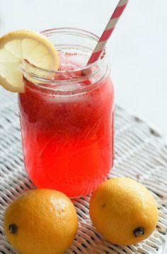 Homemade Strawberry Lemonade... sooooo delish!