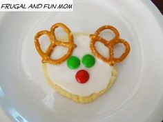 Reindeer Cookies! Simple To Assemble, and Fun For The Kids! #Christmas #cookies #EASY