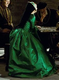 Tudor Costume, Nathalie Portman as Anne Boleyn in The other Boleyn girl