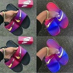 QUEROOO👏😍💕 #boanoiteh #nike #style #calcadosfemininos 💕 Sigam @followtrickers 💕✨ Clearance Shoes, Adidas Shoes, Sandals, Fashion, Slide Sandals, Moda, Sandal, Adidas Boots, Fasion