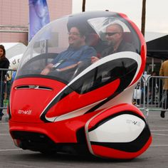 GM EN-V - The only thing more peculiar than the GM EN-V's look is why it debuted at CES 2011 rather than the Detroit Auto Show. Design Transport, Mode Of Transport, Tricycle, Cool Gadgets For Men, Coolest Gadgets, Futuristic Cars, Future Transportation, Small Cars, Future Car