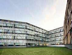 Telefonica Corporate University In Parc de Bell-llo / Batlle & Roig Architects. Photo © José Hevia