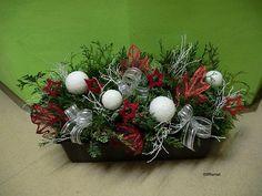 Vánoční truhlík do oken Xmas Decorations, Christmas Wreaths, Holiday Decor, Crafts, Home Decor, Manualidades, Decoration Home, Room Decor, Handmade Crafts