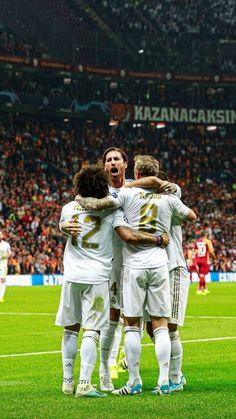 Real Madrid, Fifa Football, Toni Kroos, Sports Celebrities, Club, Champion, Soccer, Winter Jackets, Iphone