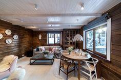 Синяя кухня у белого камина - Мебельная Фабрика Мария