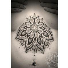 008Mandala_Brust_Tattoo_tattooidee.com