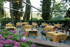 Eating in Chianti on the terrace at Villa le Barone