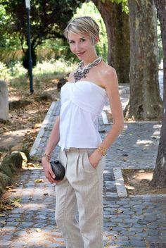 Fashion, Chocolate & Life at www.coffeeblooms.com