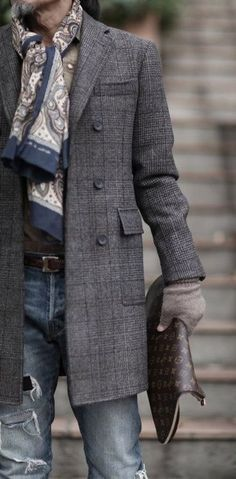 Casual elegance - Tweed overcoat, LV attaché, paisley scarf for hubby? Mens Fashion Blog, Fashion Mode, Look Fashion, Fashion Styles, Nail Fashion, Fashion Trends, Gentleman Mode, Gentleman Style, Mode Masculine